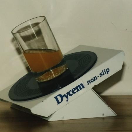 antislipmat-non-slip-beschermmat-dycem-glass