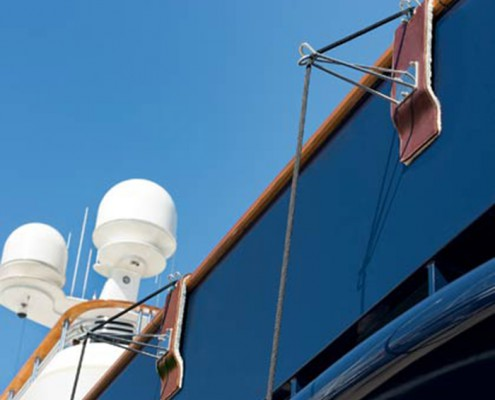 fender-hooks-superyacht-suppliers-megafend-barspreader