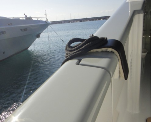 fender-hooks-superyacht-suppliers-megafend-bulwark