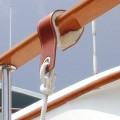 fender-hooks-superyacht-suppliers-megafend-caprail