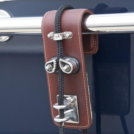 fender-hooks-superyacht-suppliers-megafend-railing
