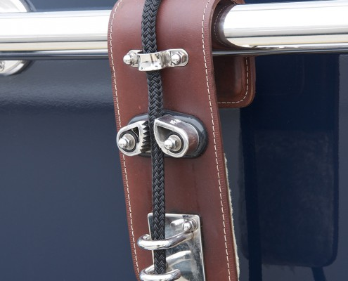 fender-hooks-superyacht-suppliers-megafend-railing