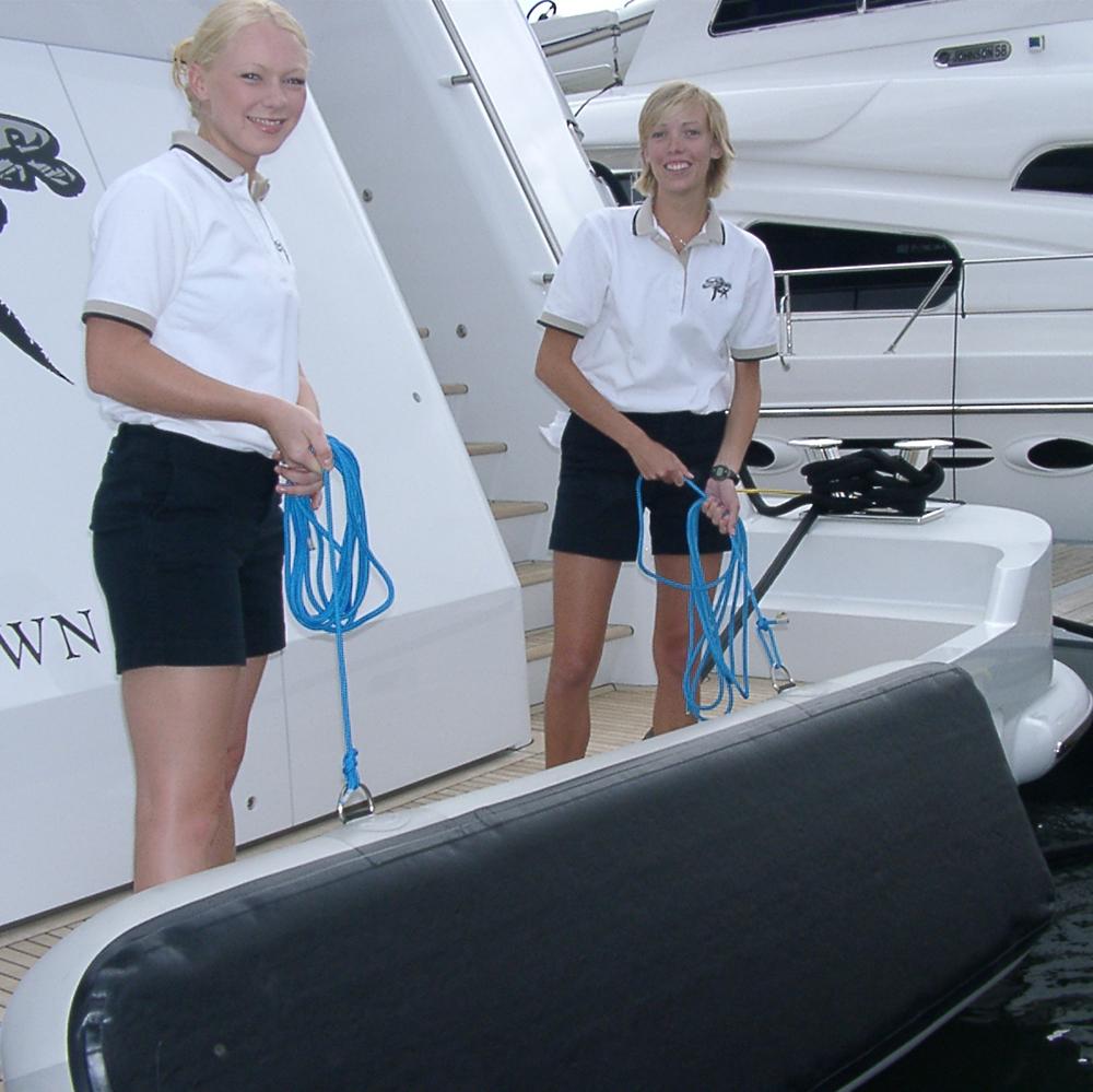 flat-inflatable-fenders-stootwillen-superyacht-aere