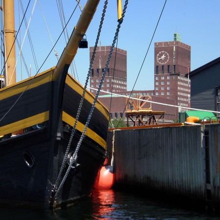 stootwillen-heavy-duty-stootkussen-inflatable-fenders-boot-polyform-f-serie-tall-ship-chartervaart