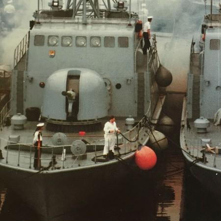 stootwillen-navy-marine-offshore-binnenvaart-heavy-duty-stootkussen-inflatable-fenders-boot-polyform-a-serie